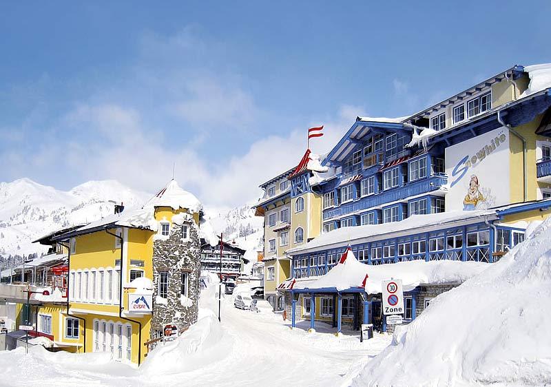 *** Hotel Snowwhite